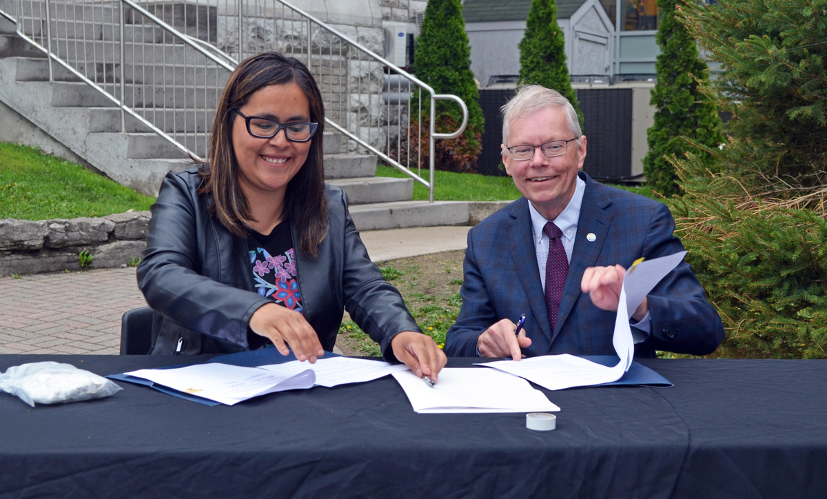 Town of Midland and Beausoleil First Nation officially sign Protocol Agreement.